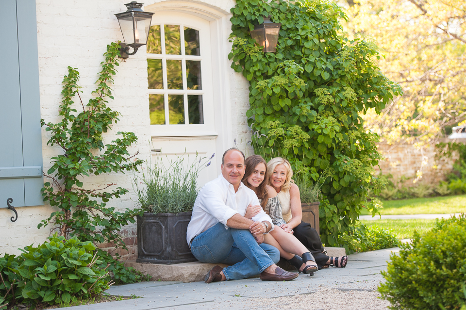 image: beautiful family portrait in a life&style family session by Alise Kowalski.